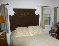 Farmhouse Guest Rooms in New London, NH